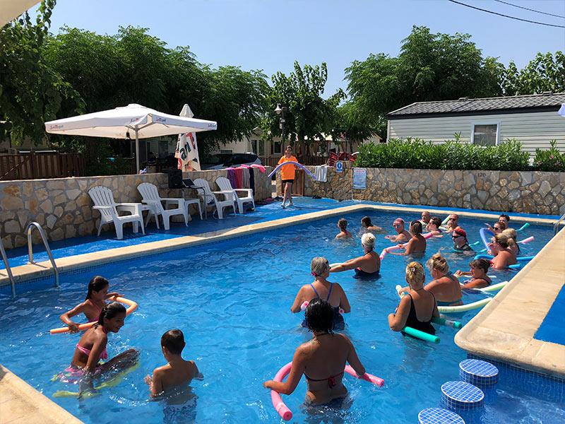 Boule, Schwimmbad, Karaoke